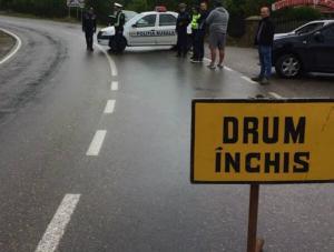 Vremea rea a facut ravagii in toata tara: Drumuri inchise si zeci de localitati inundate si fara curent