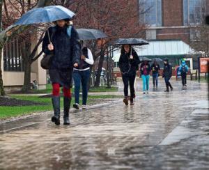 Vremea redevine ploioasa, iar vantul se va intensifica