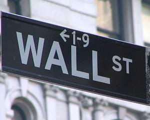 ANALIZA Dilema investitorului american fata-n fata cu blocajul guvernului: Sa vanda sau sa pastreze?