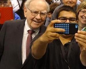 Lui Warren Buffet a inceput sa-i placa Apple