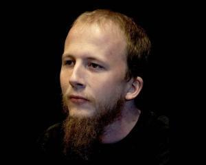"""Unul din co-fondatorii The Pirate Bay a """"infundat"""" puscaria"""