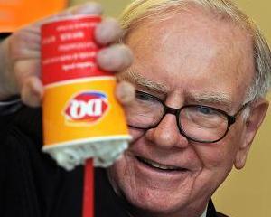 Unii sunt gata sa plateasca un milion de dolari pentru a lua masa cu Warren Buffett