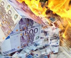 Risipirea banilor publici dauneaza grav contribuabililor