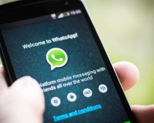 Aplicatia WhatsApp, folosita de jumatate dintre romanii cu smartphone