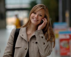 Abonamente cu sms-uri si minute nationale, pentru afaceri, de la Cosmote