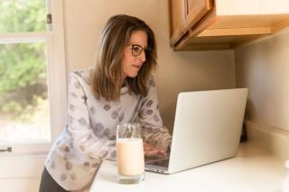 Prima campanie de recrutare a angajatilor care vor lucra numai de acasa