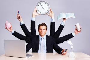 Workaholismul, o epidemie care afecteaza angajatii din Romania, din simplul fapt ca suntem o tara saraca