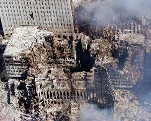 26 februarie 1993: O bomba explodeaza in subsolul World Trade Center, din New York
