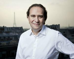 El a inovat piata telecomunicatiilor in Franta. Afla-i povestea