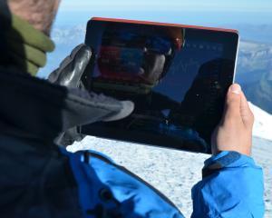 Prima tranzactie pe Forex, realizata pe varful Mont-Blanc. S-a realizat si un profit de 100 de dolari
