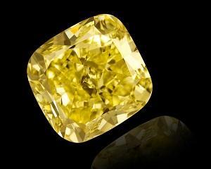 Unul dintre cele mai valoroase diamante galbene de vanzare la Geneva