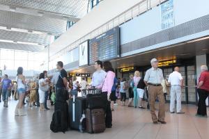 TAROM reia mai multe zboruri internationale. Lista destinatiilor