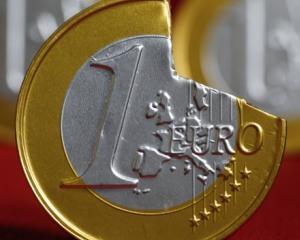 BCR: Euro, in 2014, intre 4,3 si 4,7 lei